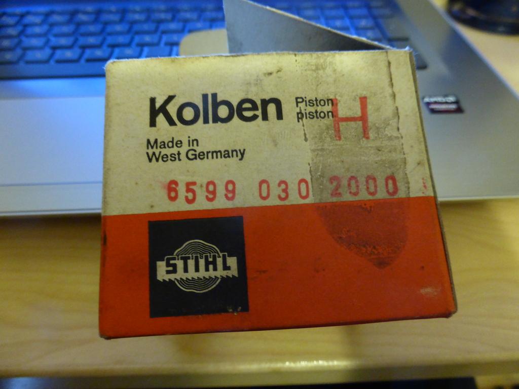 "Recycling HolzTritthocker MASSIVHOLZ TRITTLEITER /""STEP/""47x37x40 cm"